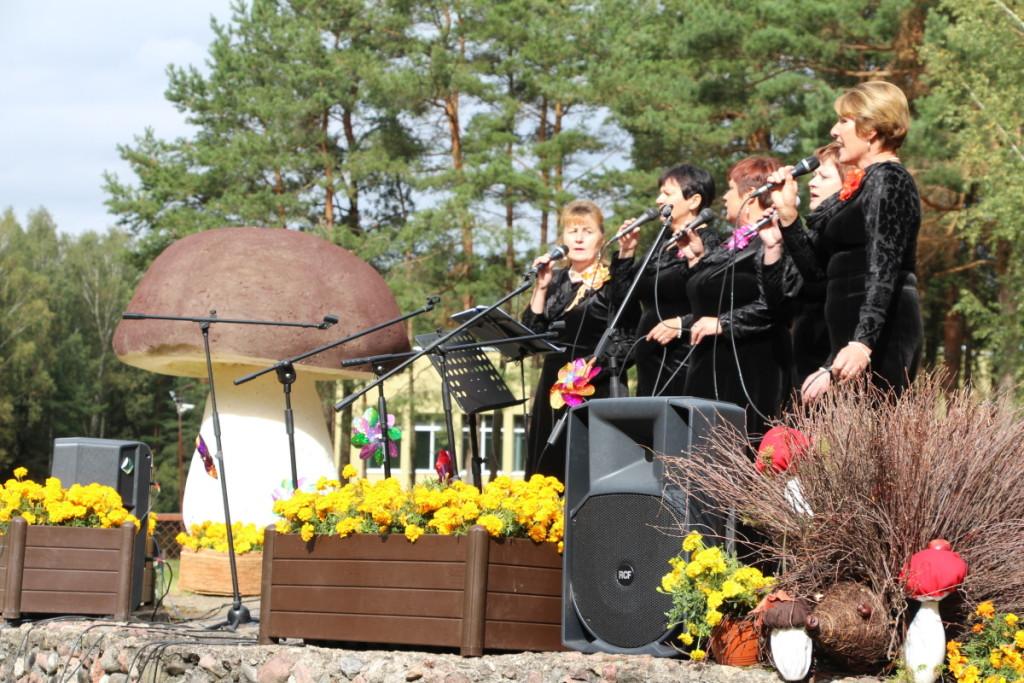 Rukliečiai turi savų tradicinių švenčių, į kurias susirenka nemažai svečių. J. Žurauskienės , K. Putelio ir G. Jasiulionio nuotraukos