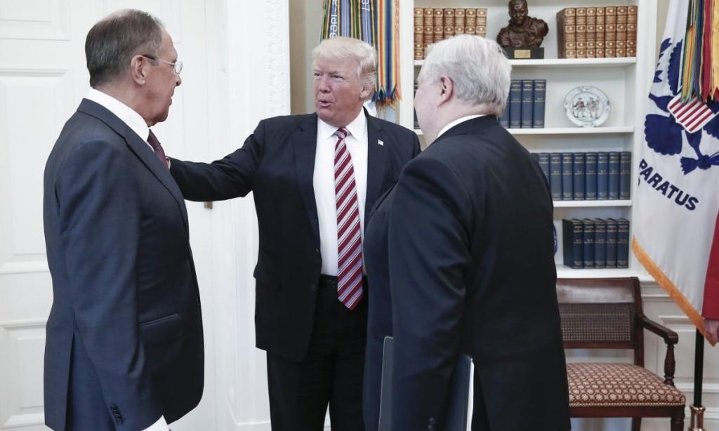 Tai, kad į susitikimą Baltuosiuose rūmuose atvyks ir Rusijos ambasadorius, JAV žiniasklaida  nežinojo. Scanpix nuotr.