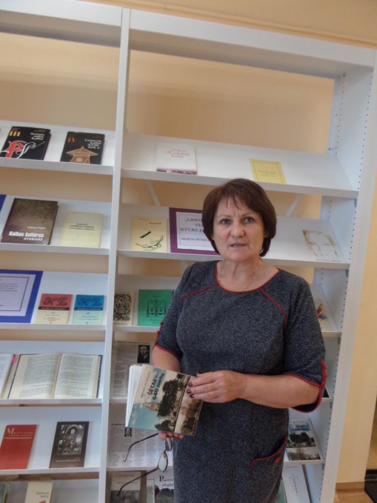 Anot S.Grigienės, bibliotekoje apstu lankytojų, kurie ne tik skaito knygas, bet ir naudojasi informatikos skyriumi, dalyvauja įvairiuose renginiuose.