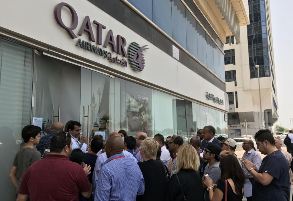 """Blokada sukėlė sumaištį Kataro oro linijų """"Qatar Airways"""" atstovybėse arabų šalyse. Scanpix nuotr."""