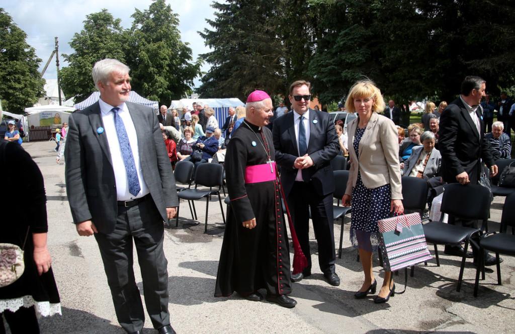 Į Šėtos 655-ųjų metinių šventę atvyko arkivyskupas Sigitas Tamkevičius. Algimanto Barzdžiaus nuotr.