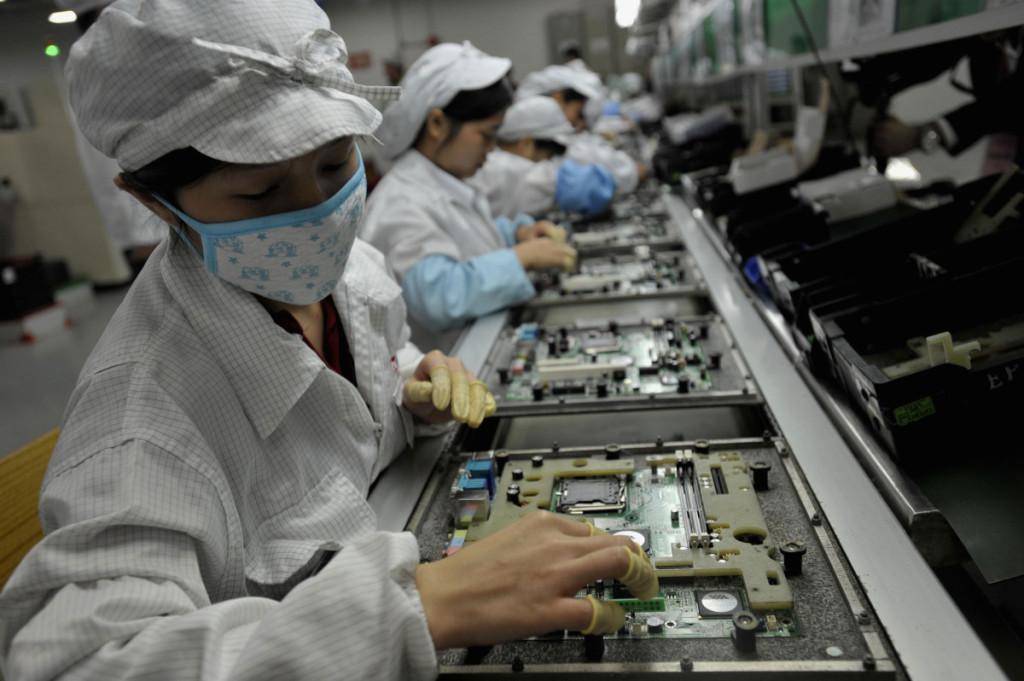 Šiandien Kinija – pasaulio dirbtuvės, bet kaip jos veiks, kai taip sparčiai mažėja darbingo amžiaus žmonių?   Scanpix nuotr.
