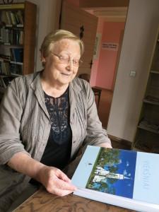 Gydytoja A.Gurauskaitė džiaugėsi Biržiškų draugijos darbais bei restauruotu Biržiškų šeimos namu.