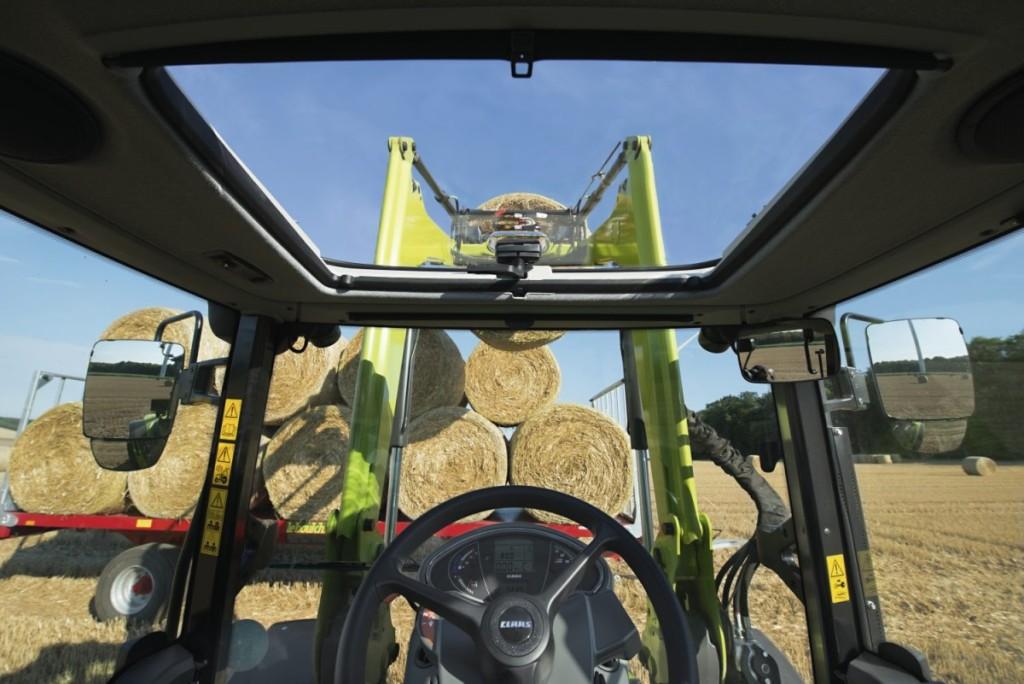 Permatomas, vairuotojo matymo lauką padidinantis stoglangis, taip pat gali būti sumontuotas ir versijoje su žemu stogu.