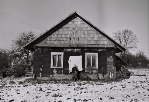 Radzevičienė. Jaurų kaimas, 1980 m. Brolių Černiauskų nuotr.