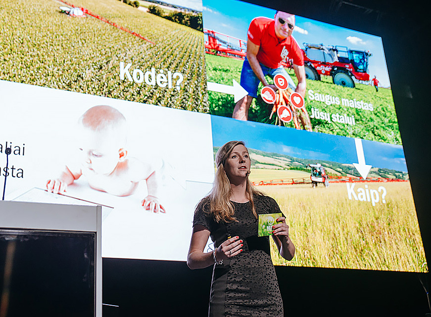 """Kompanijos """"Agrifac"""" atstovė Martine Smeijers pristatė tiksliojo ūkininkavimo ypatumus. Organizatorių nuotr."""