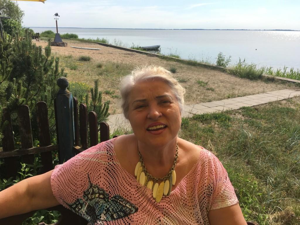 """V. Žarnauskienė: """"Esu labai laiminga, kad čia gyvenu"""". L. Cibulskienės nuotr."""