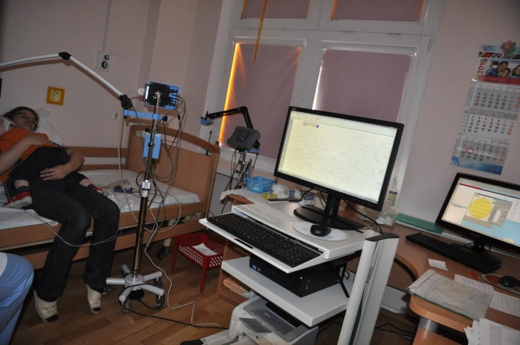 Miego laboratorijoje tiriama žmogaus gyvybinių funkcijų veikla miego metu.