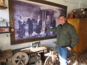 Mickevičiai ūkio pradžią laiko 1918 metus - tada Roberto proseneliai toje pačioje vietoje, kur įsikūręs dabartinis jo šeimos ūkis, ėmė statytis sodybą ir ūkininkauti.