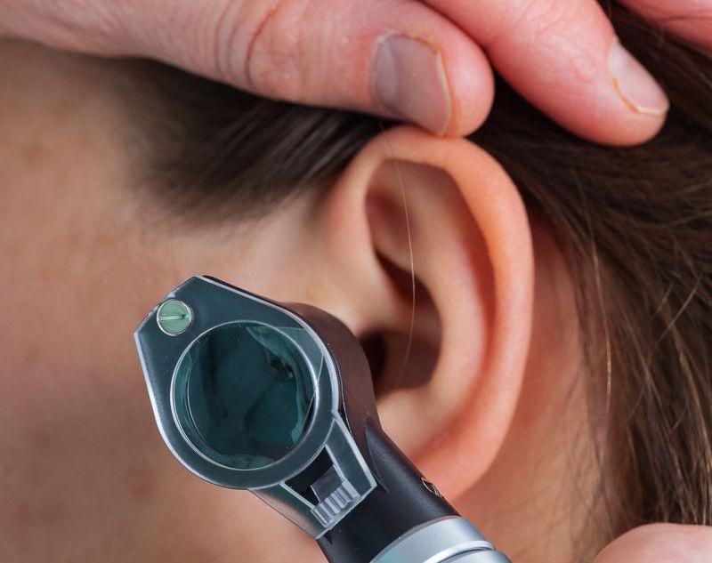 kaip gydyti spengimą ausyse su hipertenzija)
