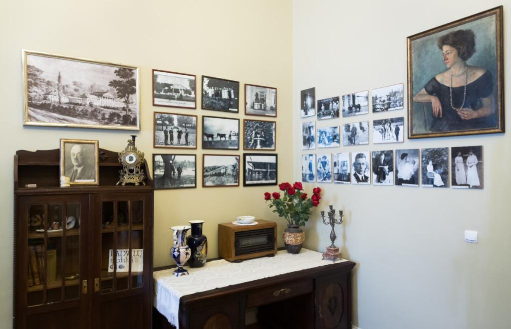 Paskutinio dvaro šeimininko K. Radvilos ir jo šeimos gyvenimo akimirkos, užfiksuotos nuotraukose. M. Ambrazo nuotr.