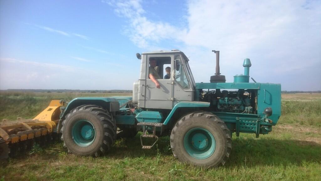 Jankų kaimo ūkininkė norėtų pasinaudoti ES parama, kad pasikeistų seną techniką į modernesnę.