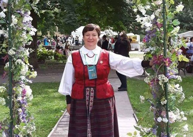 L.Kvedaravičienė teigia, jog tai, kad Veisiejai tapo Mažąja Lietuvos kultūros sostine, viso miestelio žmonių nuopelnas.