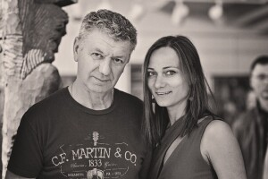 """Sandra ir R.Pažemeckas – puikus dainų kūrėjas pagal jos poeziją. Jo daina """"Išgerk lig dugno meilę"""" pakliuvo tarp kitų gražiausių poetų dainų, kurias LRT parodys šį rudenį."""