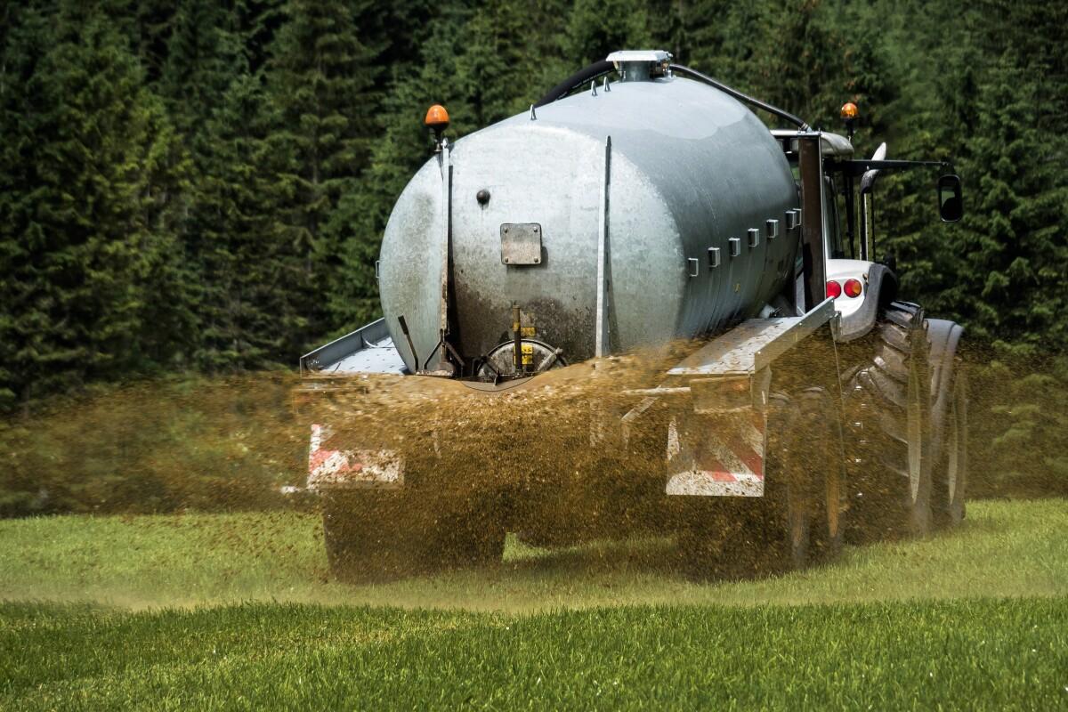 Aplinkos ministras žemdirbiams siūlo atsisakyti mineralinių trąšų