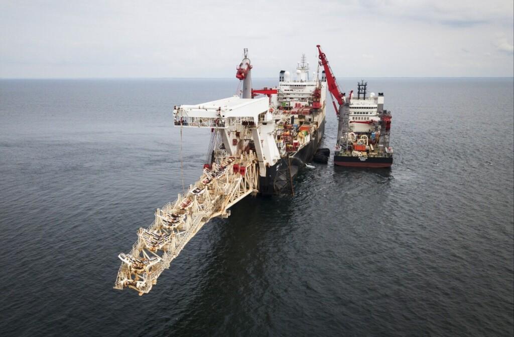"""""""Nord Stream 2"""" dujotiekio tiesimo darbai Baltijos jūroje."""