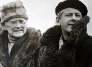 A.Stasiulevičius jaunystėje su scenografu Liudu Truikiu, kurį laiko savo mokytoju.