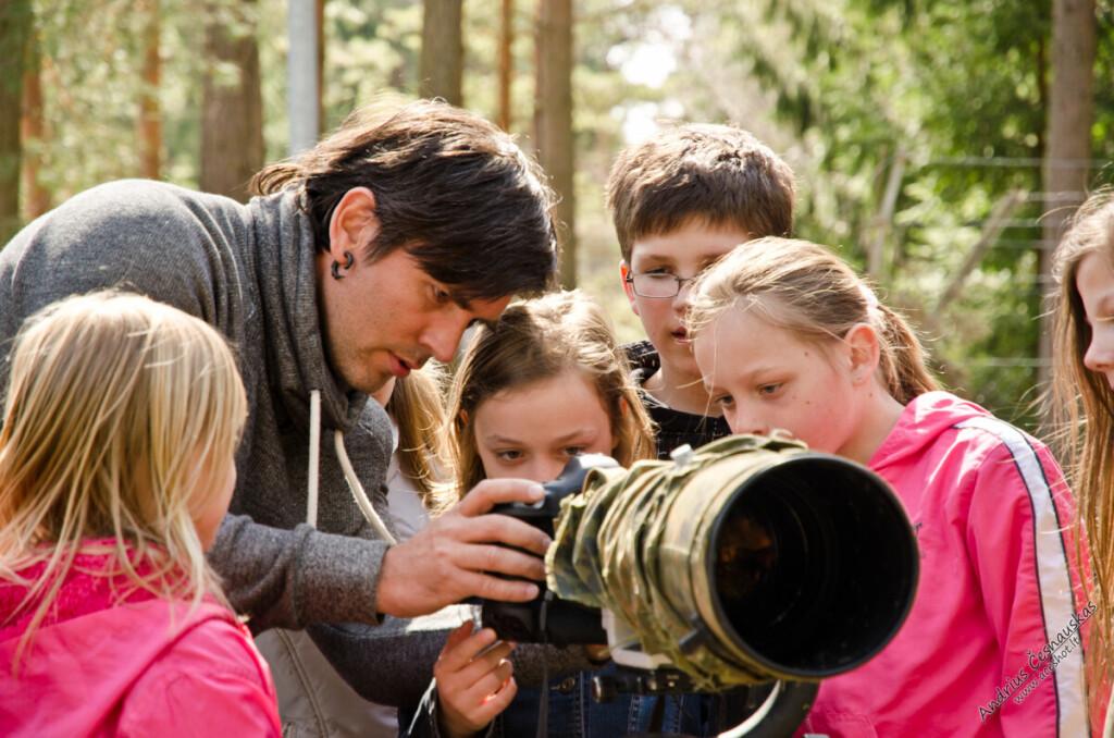Ornitologo ir fotografo pasakojimus labai mėgsta vaikai. M.Čepulis dažnai kviečiamas į mokyklas, vaikų namus, bibliotekas. M. Čepulio asmeninio archyvo nuotr.