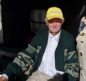 Didelę patirtį turintis bitininkas marijampolietis J. Lekeckas šiemet taip pat neišvengė bičių akibrokšto.