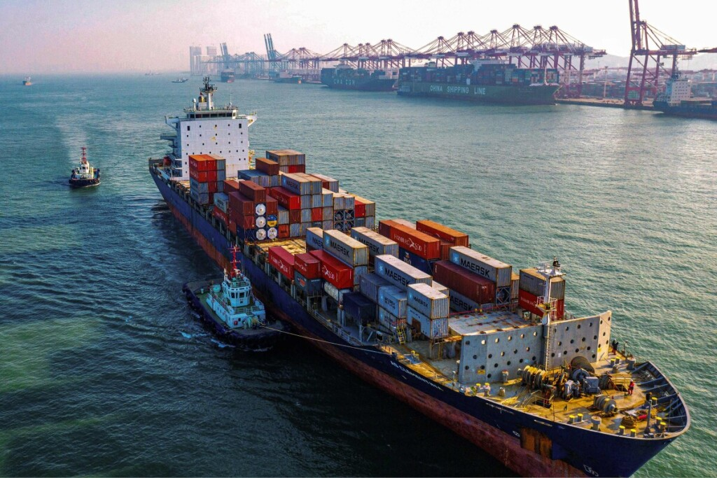 Dėl epidemijos Kinijoje ir griežtų karantino procedūrų ima trūkinėti įprastinės prekių ir žaliavų tiekimo grandinės.