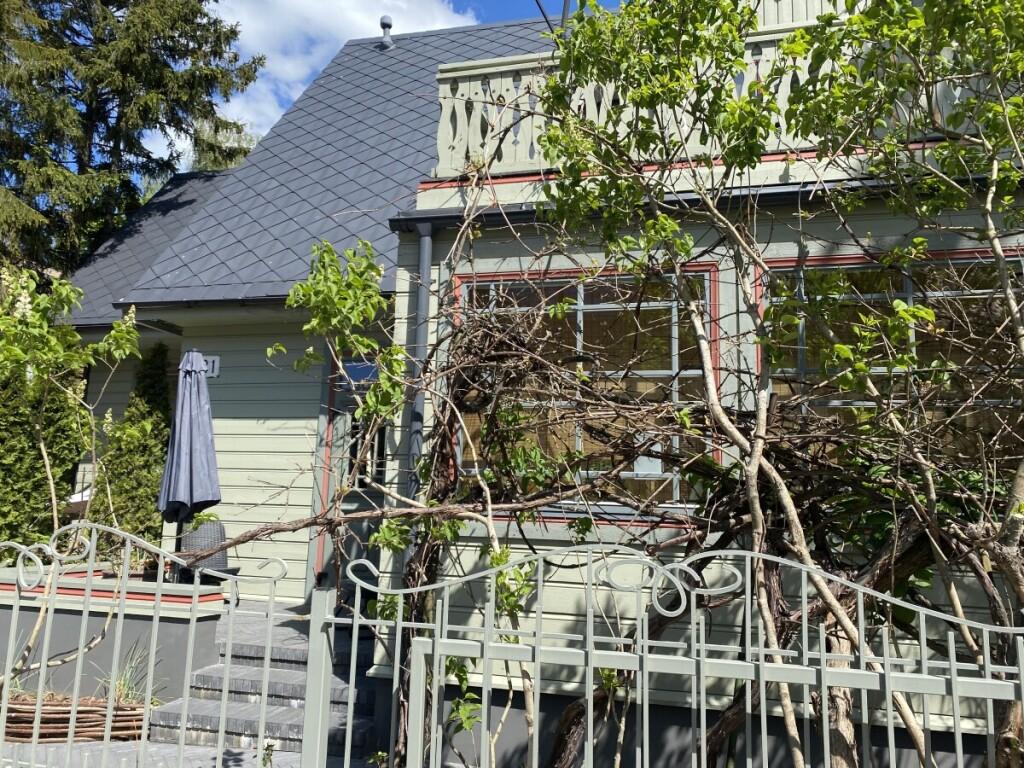 Rekonstrukcijos metu naujakuriai išsaugojo ir kaimynų pamėgtas vynuoges.