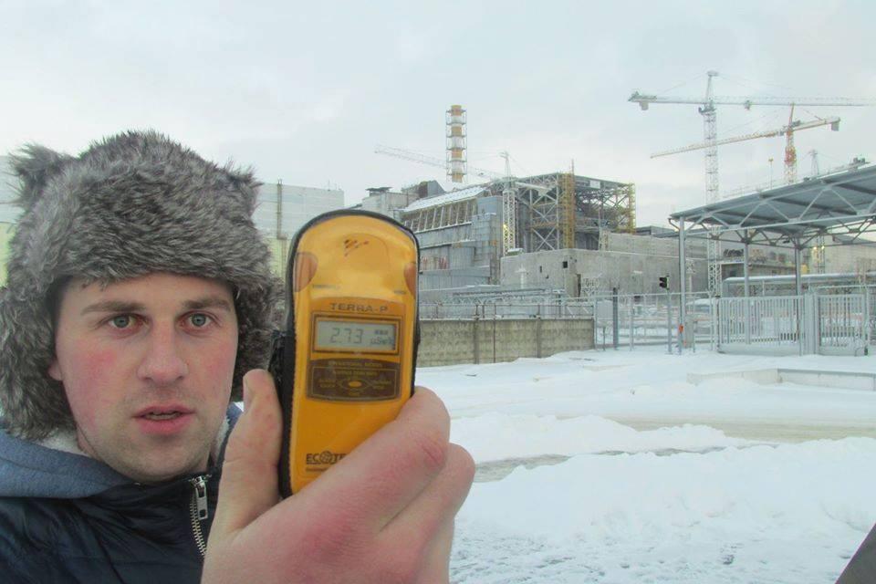 Teko aplankyti Černobilio zoną. Nuotrauka daryta prie sprogusio reaktoriaus.