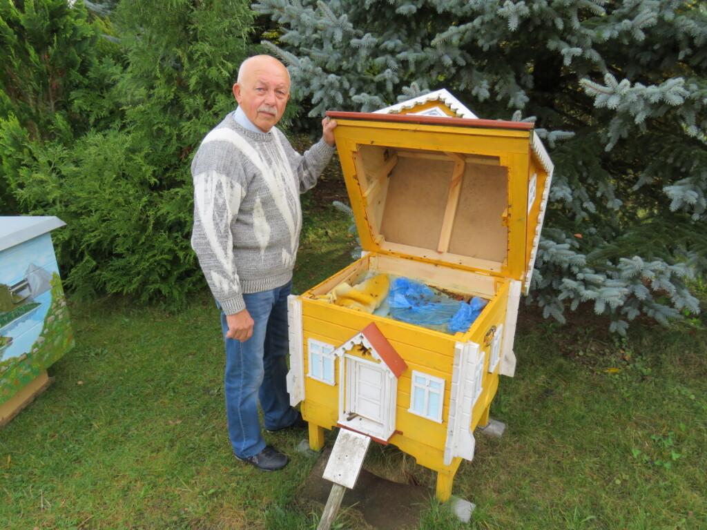 A.Kisieliauskas bitininkauti pradėjo, kai 50-mečio proga iš bičiulio dovanų gavo bičių pilną avilį.