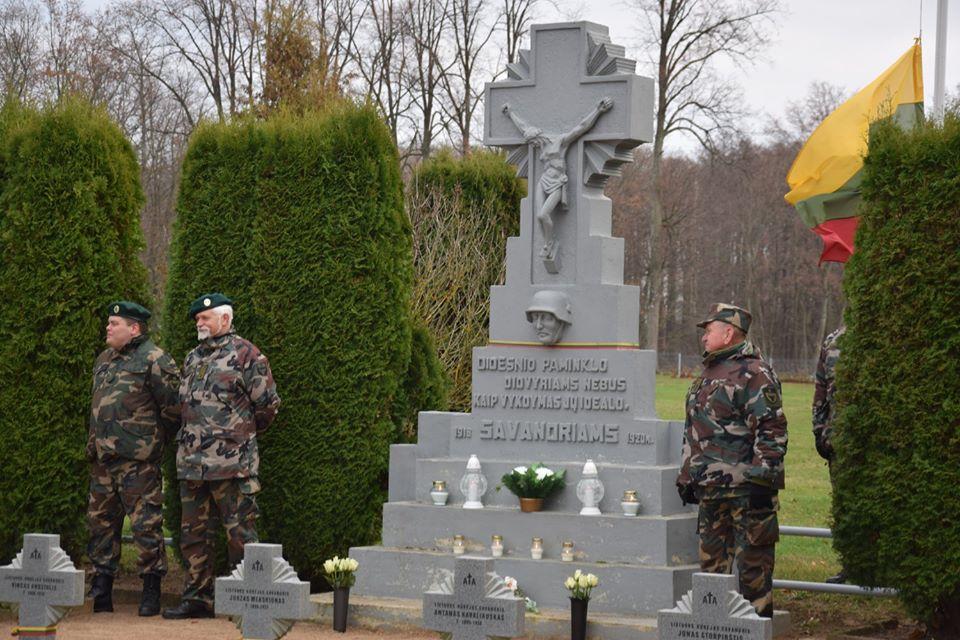 Alvito savanorių kapinės