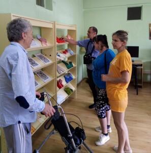 Panemunio bibliotekoje veikė išsėtine skleroze sergančių žmonių rankdarbių paroda.
