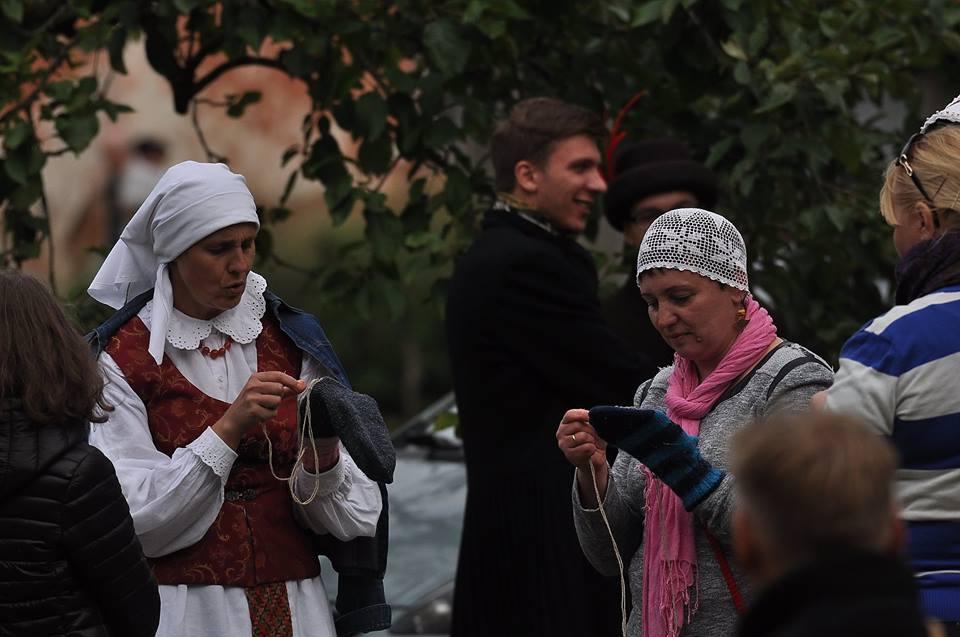 """Aktyvios bendruomenės dėka rengiamas amatų ir meno festivalis """"Vilnonės dienos""""."""